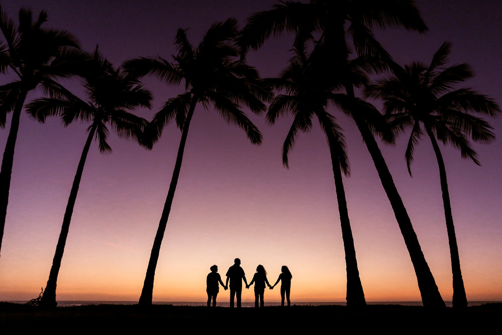 vacation, silhouette, silhouette photographer, silhouettes, palm trees, beach, aloha sunshine photography, hawaii, hawaii photographer, oahu photographer, oahu portrait photographer, vacation photographer, hawaii vacation, couples, oahu14.jpg