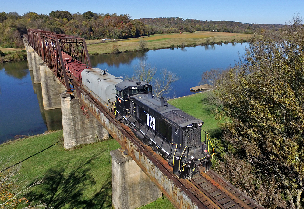 KXHR on Three Rivers Trestle