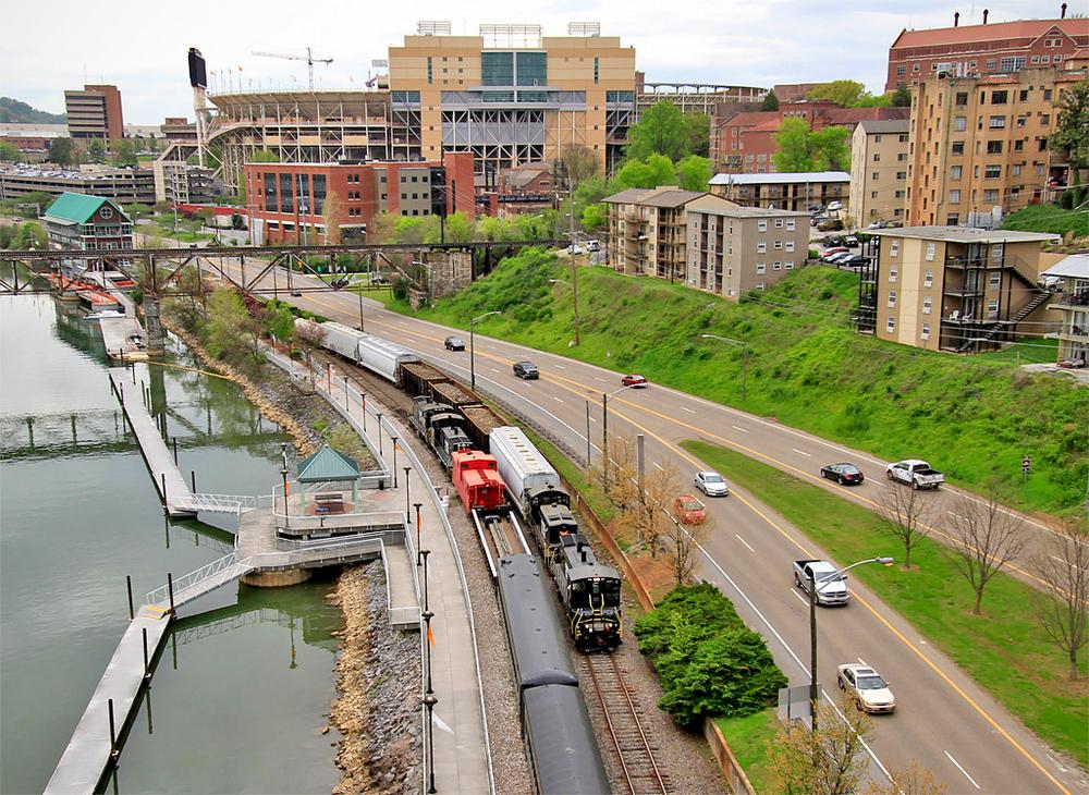 kxhr 2002 (102) riverfront 2015.jpg