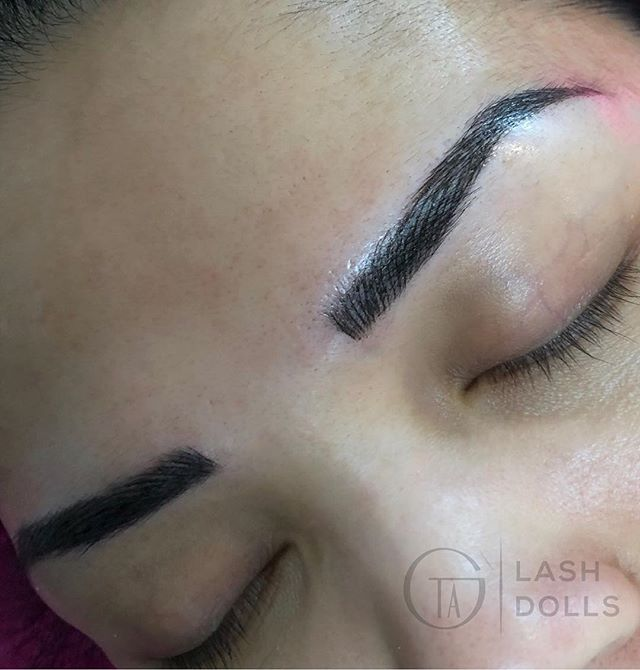 The beauty of the business is you meet people who come and go, but hopefully I've left a little imprint in them that will ripple on forever. In this case I've left the imprint on her face 😌 enjoy this microblading as much as I do . . . . #GTALashes #gtalashextensions #torontomicroblading #torontoeyelashextensions #torontolashtraining #oakvillelashes #oakvillemicroblading #newmarketlashes #gtalashlifts #etobicokelashes #etobicokemicroblading #torontonanobrows #mississaugalashes#mississaugamicroblading  #torontolashlifts #torontoombrebrows #torontomicroblading #torontomicrobladebrows #torontobrowtints #gtabrowtint #torontoeyenvy #torontolashlifts #torontobeauty