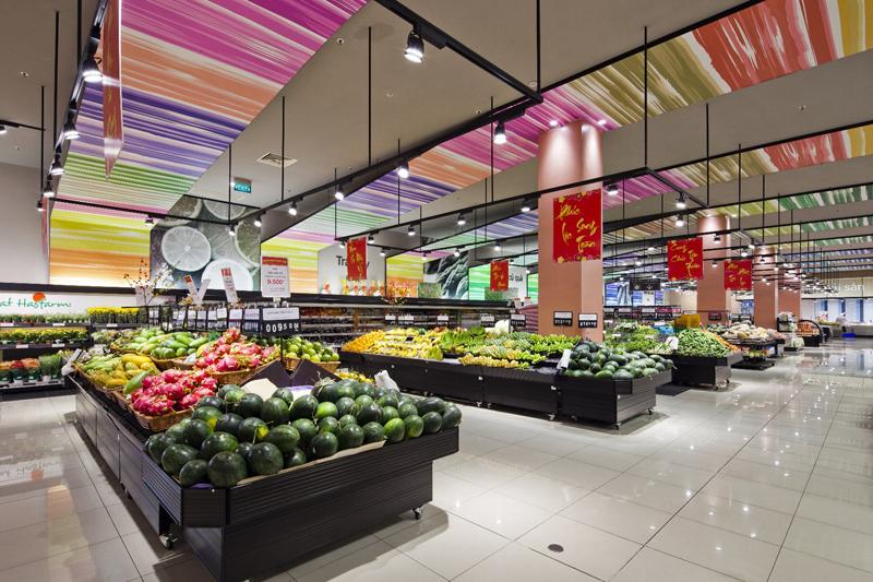 生鮮品コーナーには素材から抽出した色をグラデーションを採用