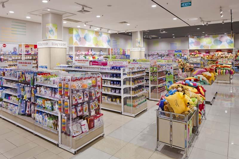 BABY売り場:生まれたてのピュアな雰囲気をグラフィックで表現。