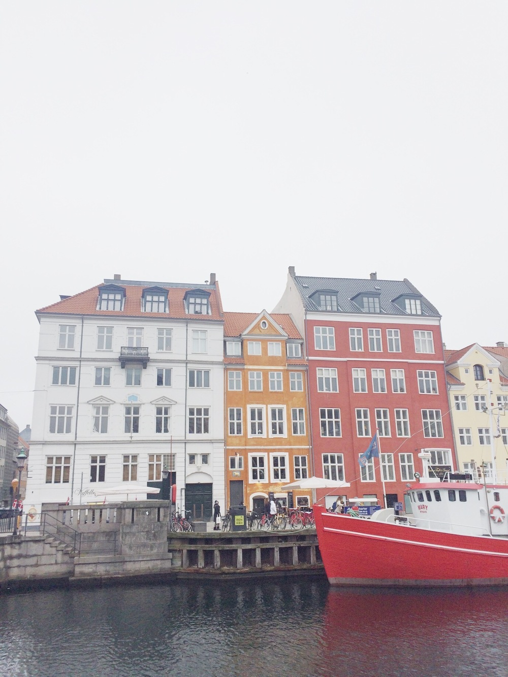 colourful houses nyhavn copenhagen