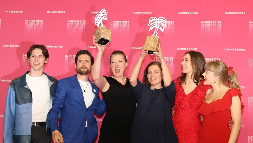 From the left;  actors Amund Harboe and Bart Edwards, producer Synnøve Hørsdal, scriptwriter Mette Bølstad and actresses Anne Regine Ellingsæter and Malene Wadel.