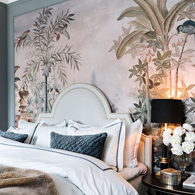 Sparkles Headboard spotted in the latest issue of @husohem 🙌🏻 Home of @tretowdeco 💕 #Mimosabyinka #Headboard #Stockholm