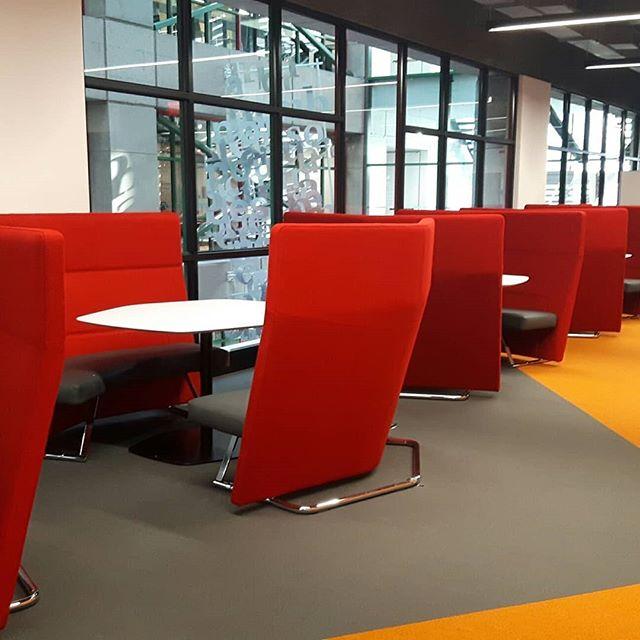 Université Concordia Meilleur explemple d'espace collaboratif TALK by #keilhauerdesign