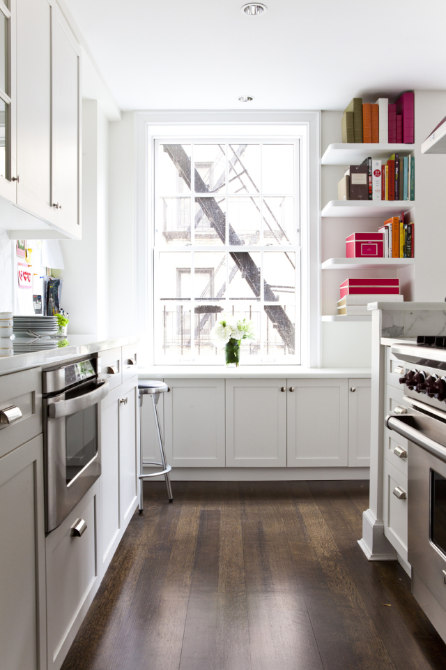 lilly-bunn-nyc-apartment-tour-kitchen-white.jpg
