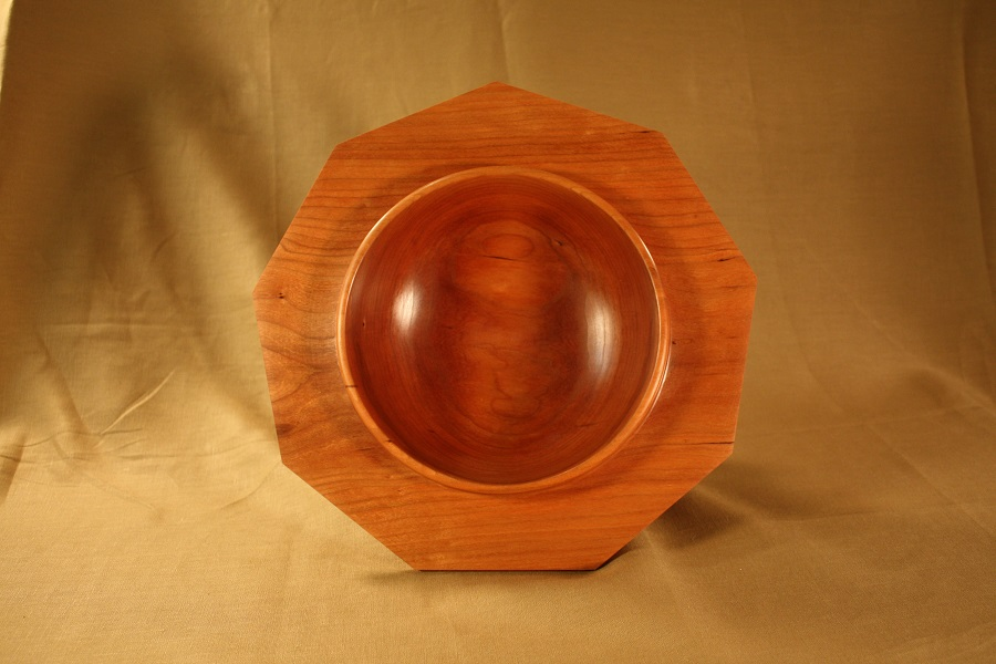 Cherry bowl with Nonagonal rim