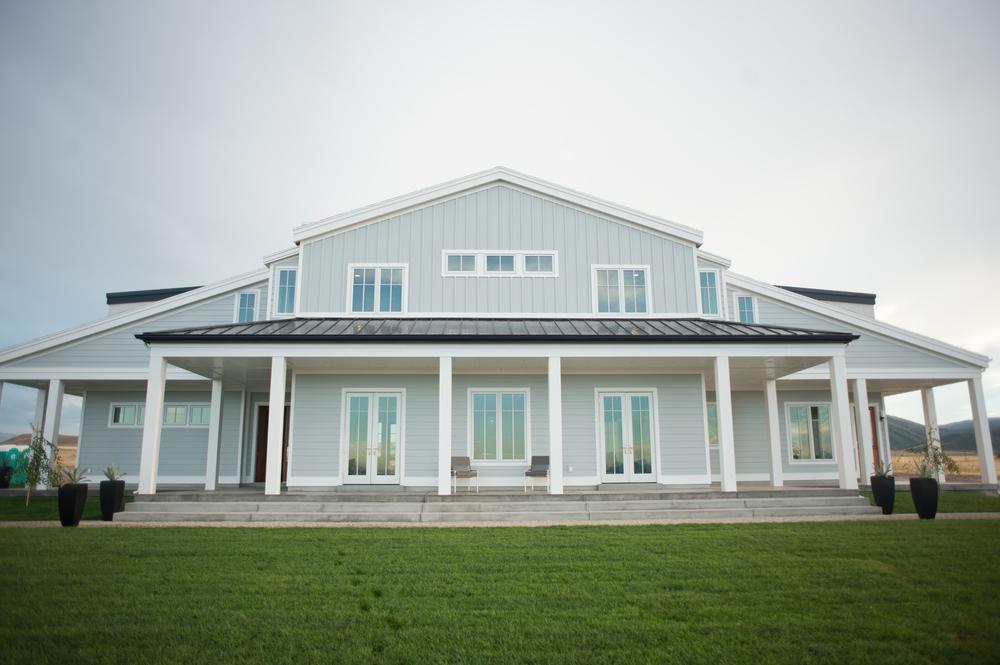 Modern Farmhouse Ag Trac Landscape