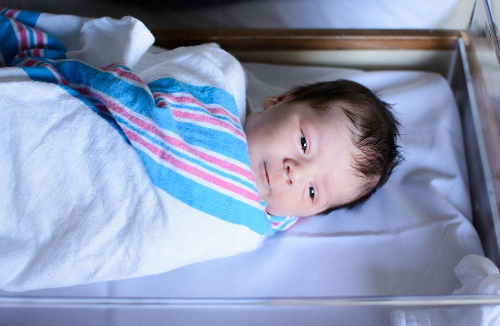 hospital_newborn_baby_bassinet_102-1.jpg