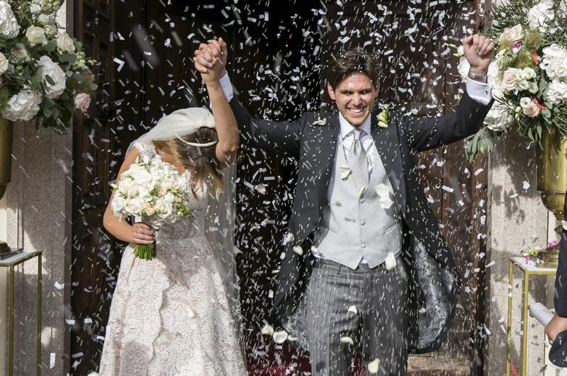 MATRIMONIO SUL LAGO MAGGIORE, UN SÌAL PROFUMO DI ROSE