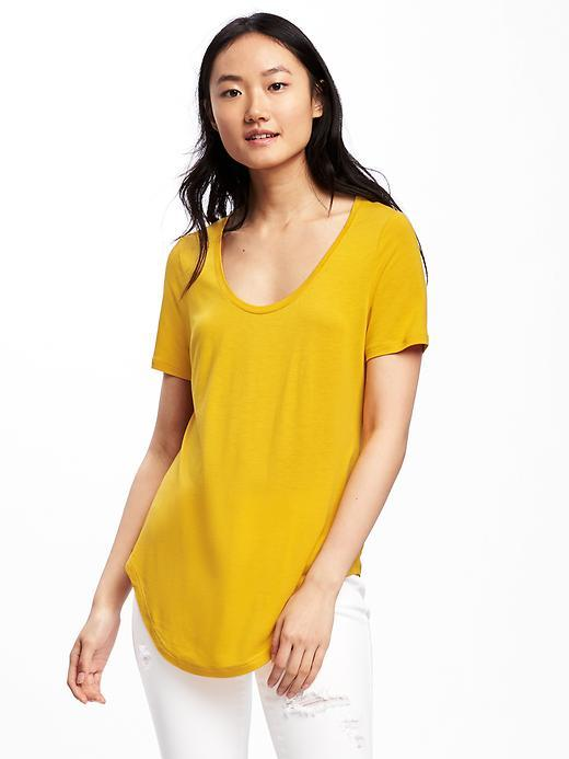 RELAXED CURVED-HEM TEE FOR WOMEN