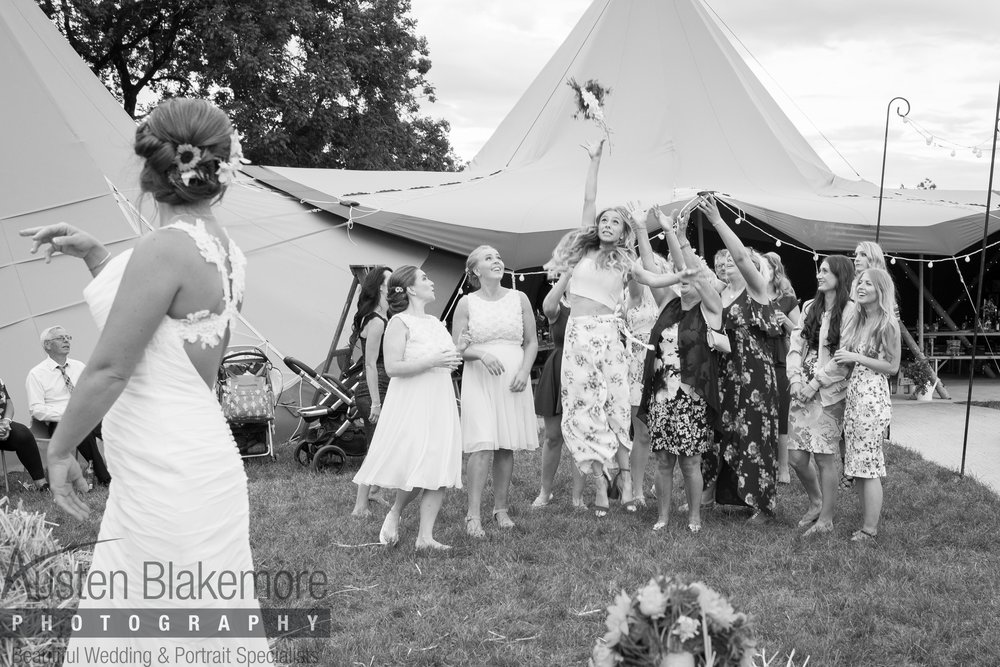 Tipi Wedding-6.jpg