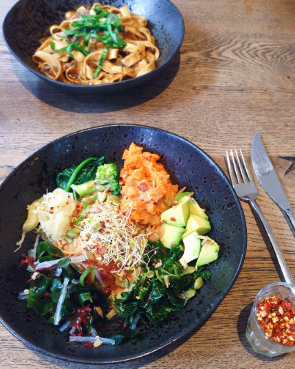 Farmacy London review VegansofLDN / Vegans of London Notting Hill restaurant Westbourne Grove - vegan food in London