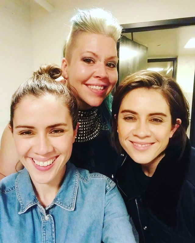 Had a dope time cutting it up with these lovely ladies @teganandsara - it was a honor to share the stage and I can't wait to see y'all again. #prisca #teganandsara #deltaamexperks your fans are beautiful people inside and out, thank you for the love 💙