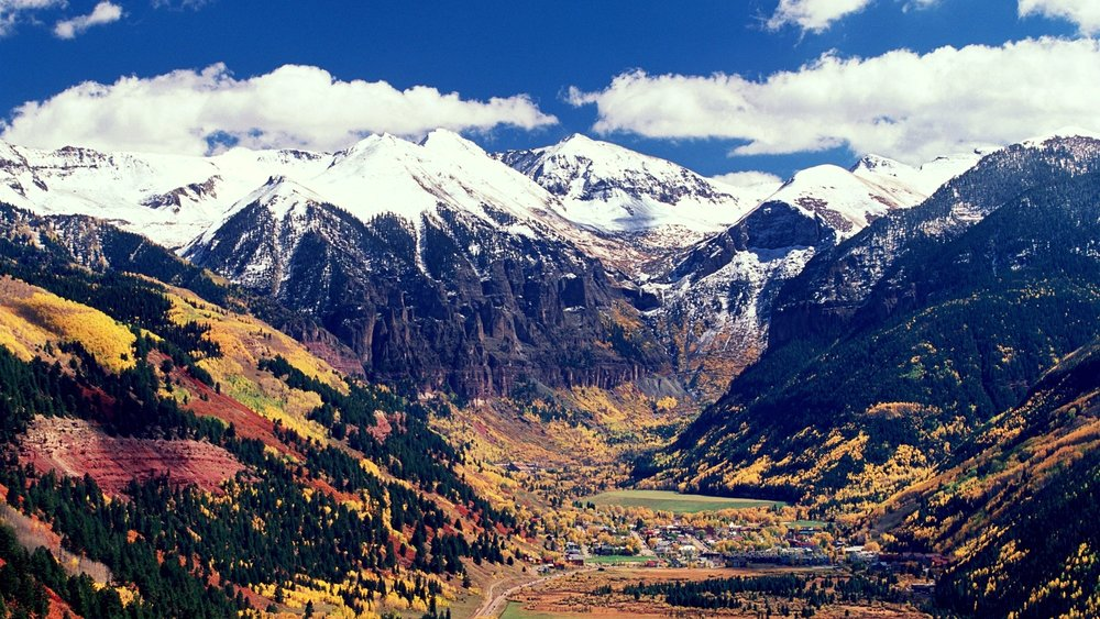 00-holding-telluride-colorado-travel-guide.jpg