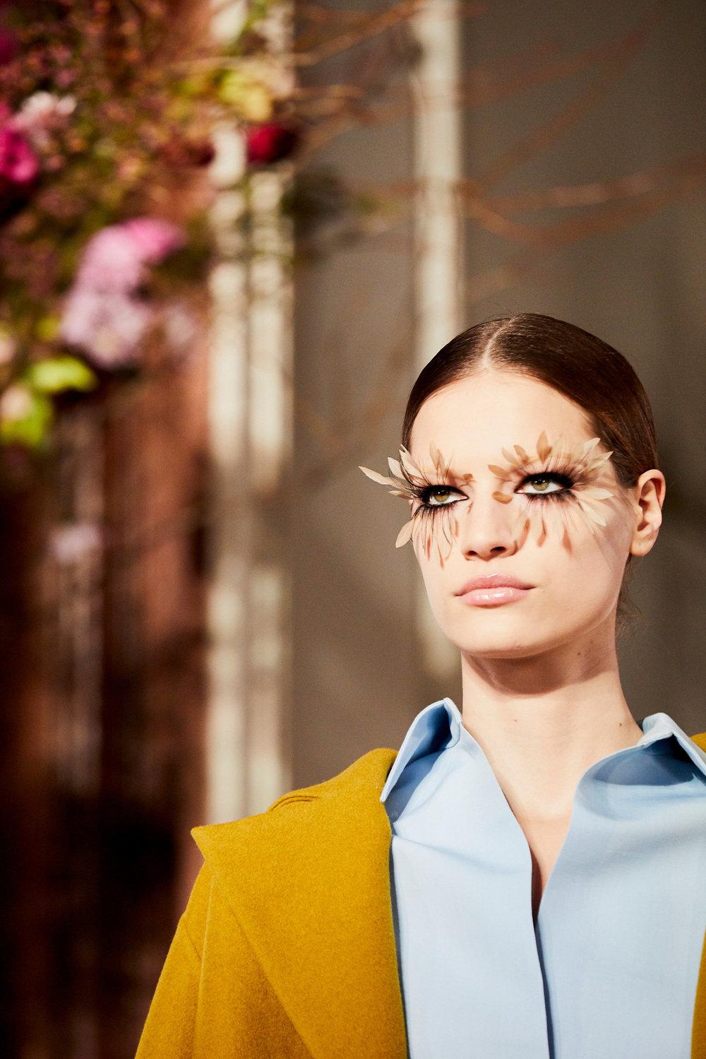 Couture-slide-KNZQ-superJumbo[1].jpg