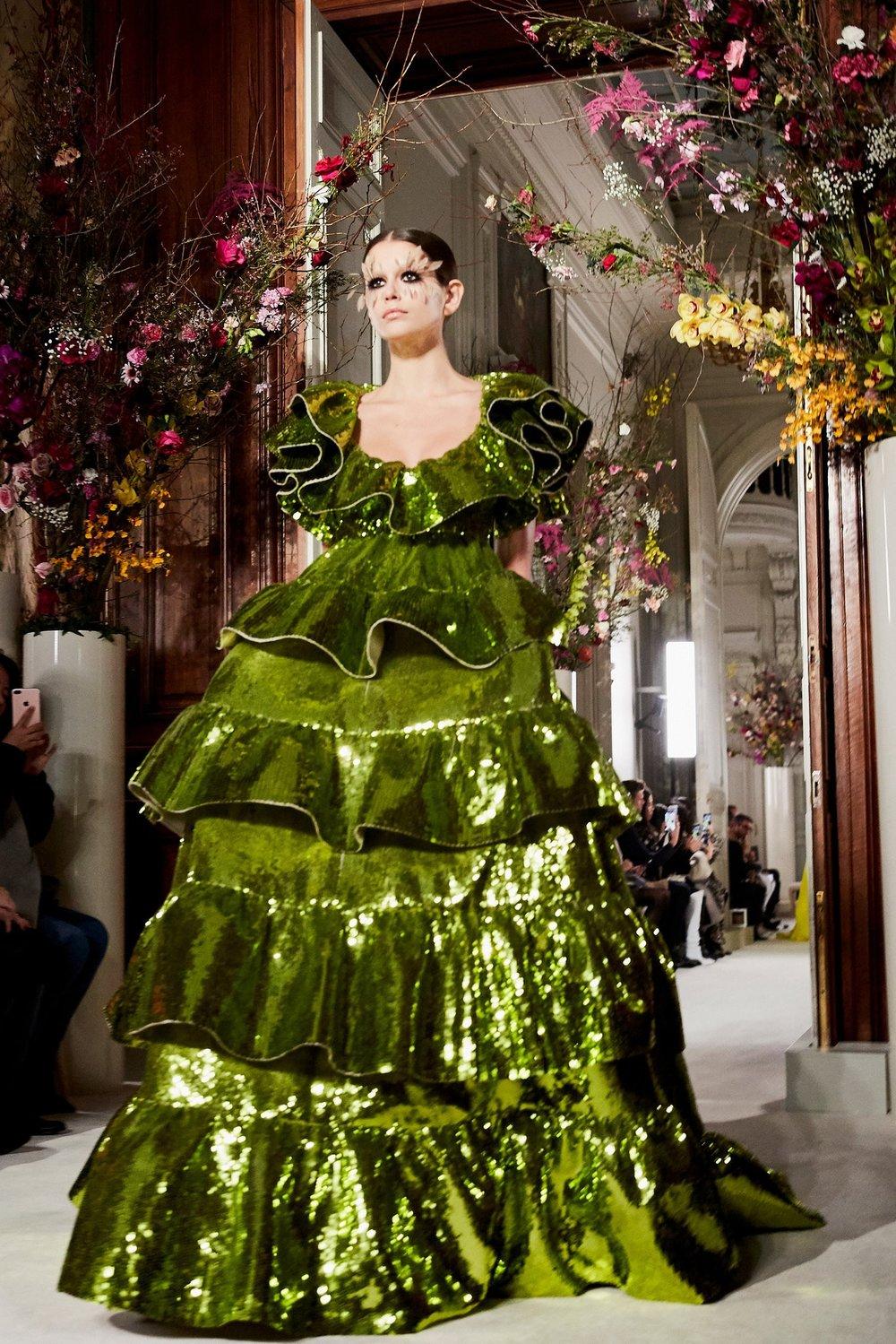 Couture-slide-FYC7-superJumbo[1].jpg