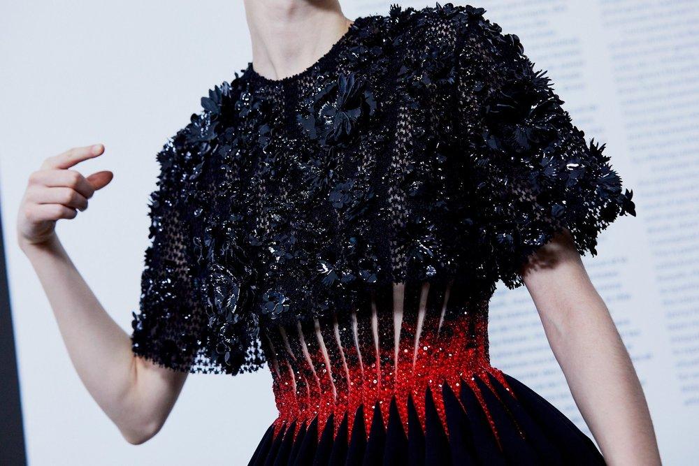 Couture-slide-GUUM-superJumbo[1].jpg