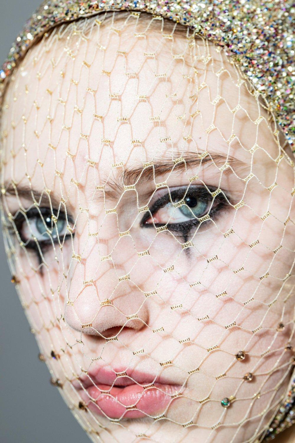 Couture-slide-9YG4-superJumbo[1].jpg