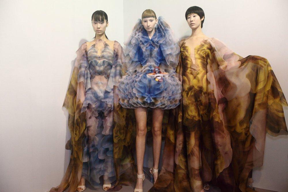 Couture-slide-5OZR-superJumbo[1].jpg