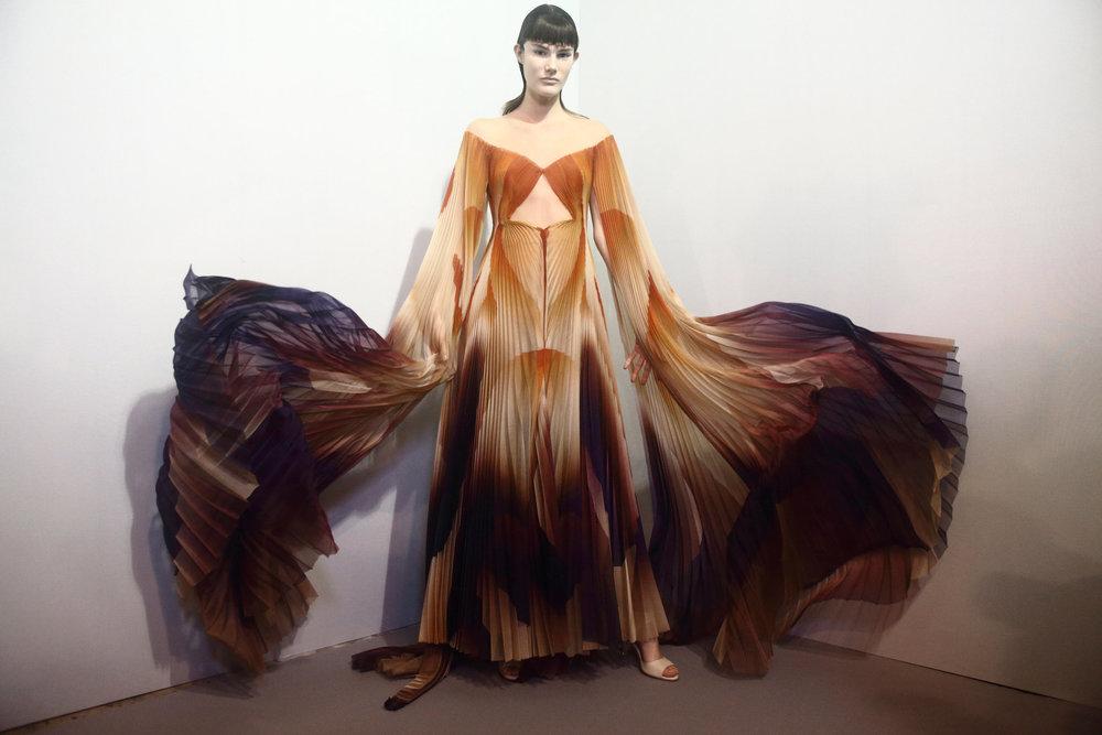 Couture-slide-LFQ3-superJumbo[1].jpg