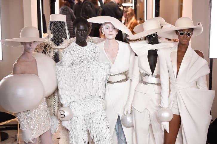 http___cdn.cnn.com_cnnnext_dam_assets_190124124251-balmain-couture-ss19[1].jpg