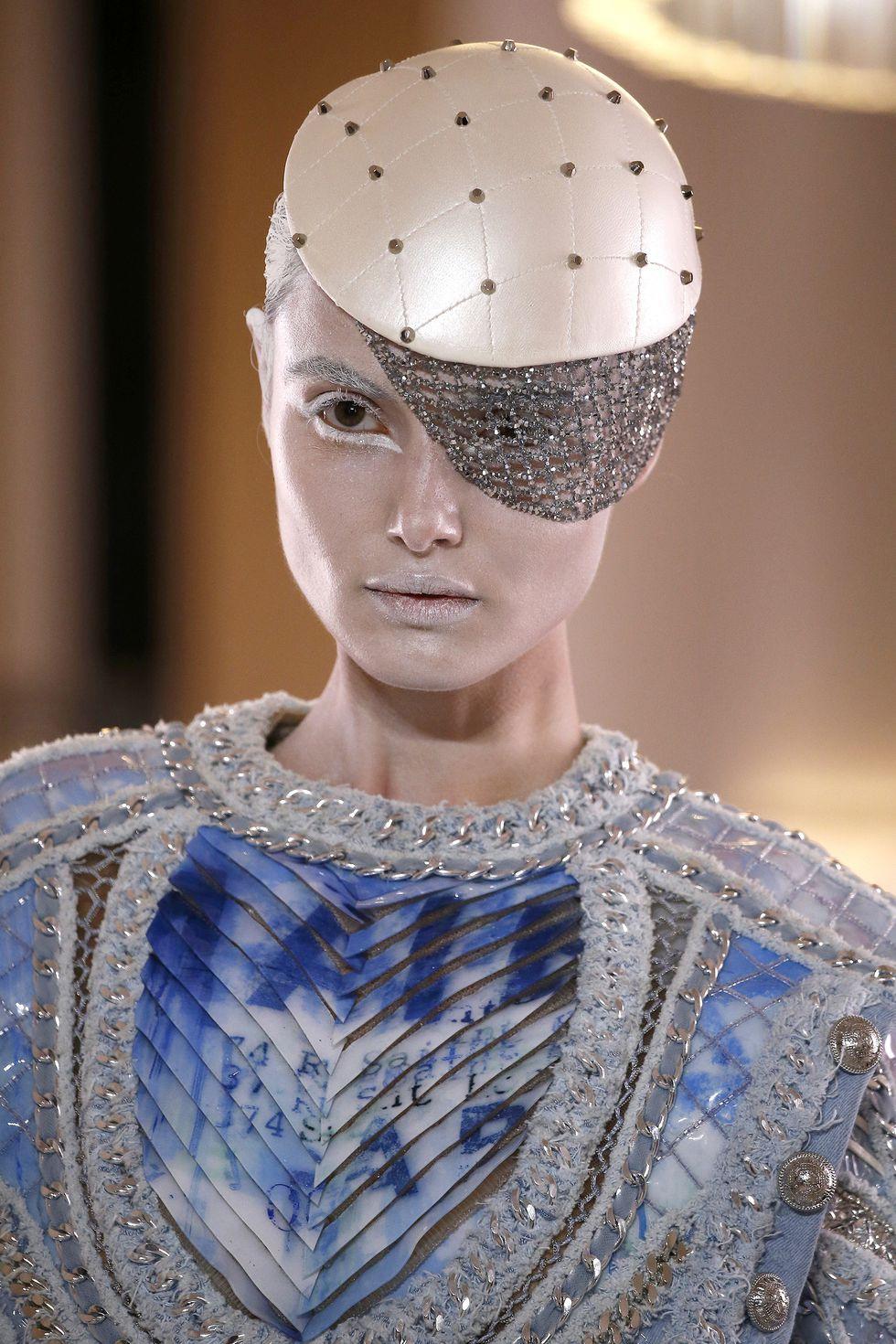 balmain-couture2-1548328463.jpg
