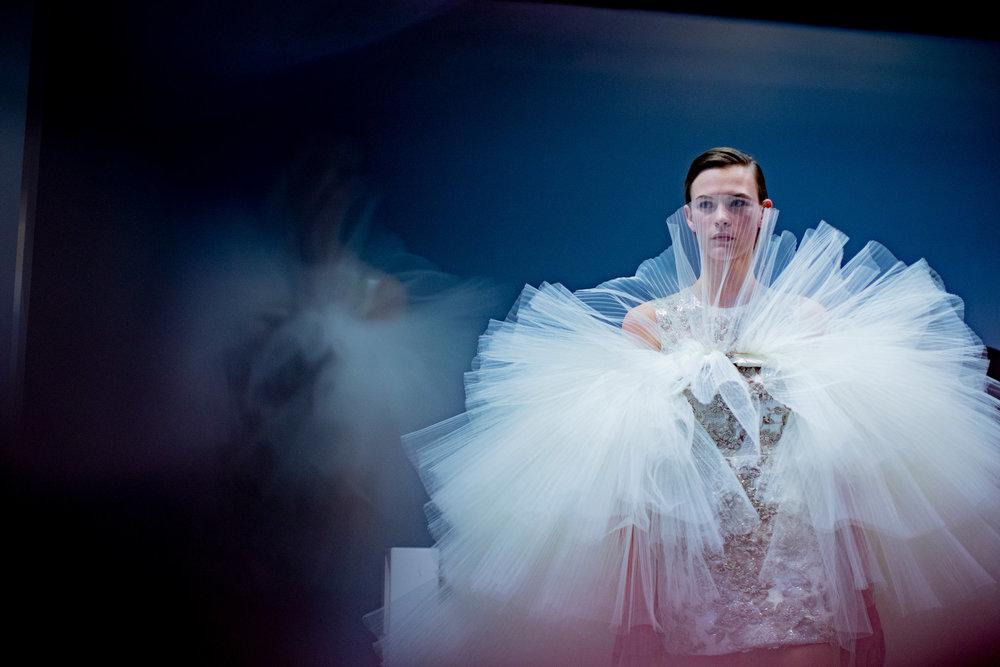 Couture-slide-8I20-superJumbo[1].jpg