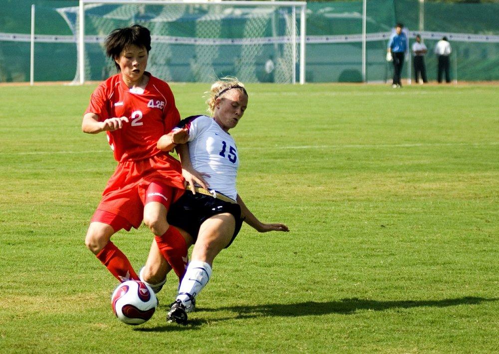 soccer women-573767_1920.jpg