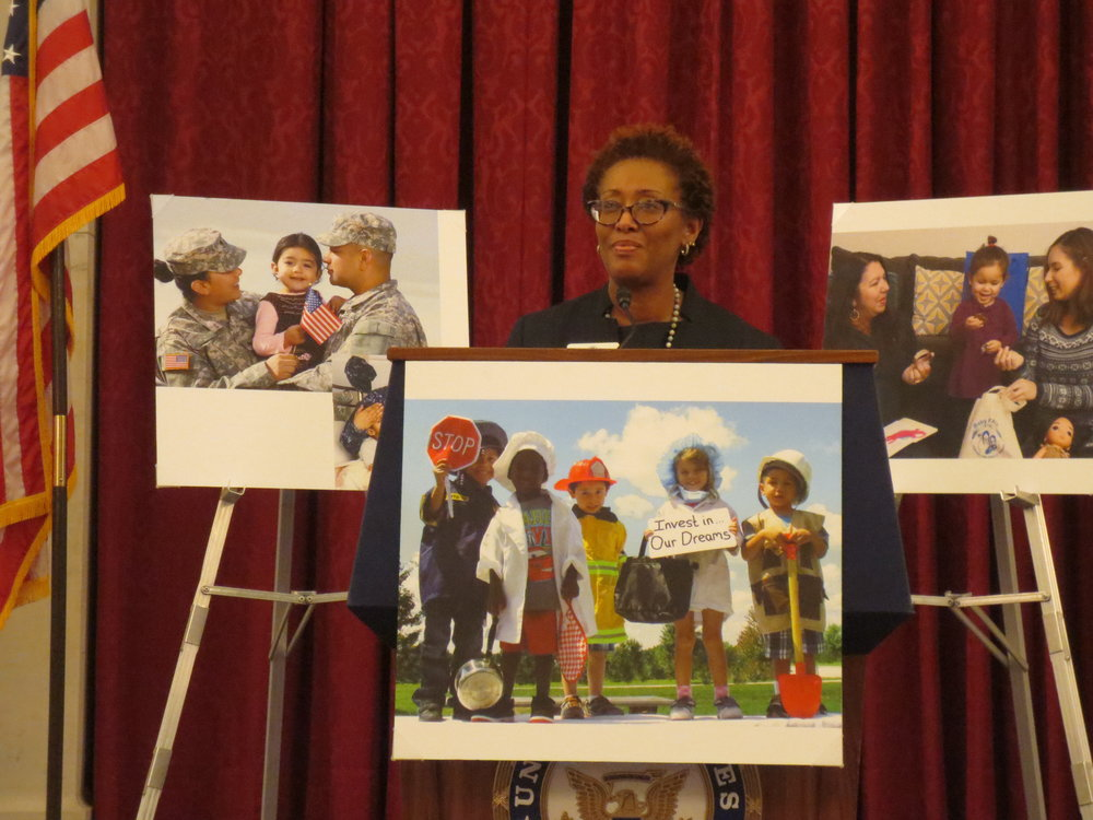 Constance Gully speaks at Washington, D.C. Board Reception.