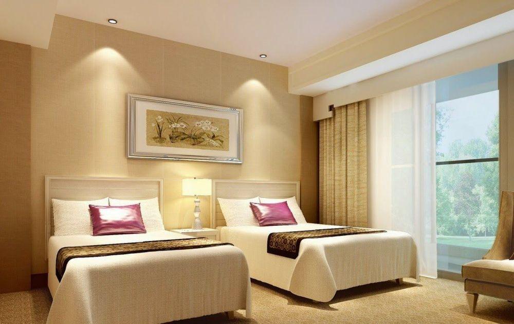 HotelIndustry02.jpg
