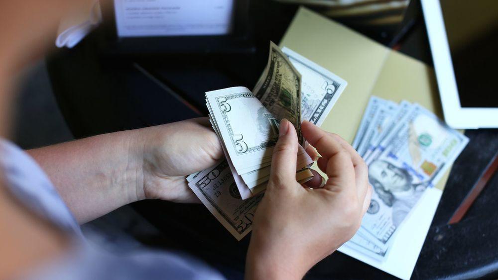 Tipping01.jpg