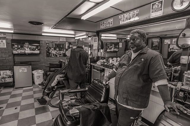 Barber shop series #socialdocumentary #photography #barbershop