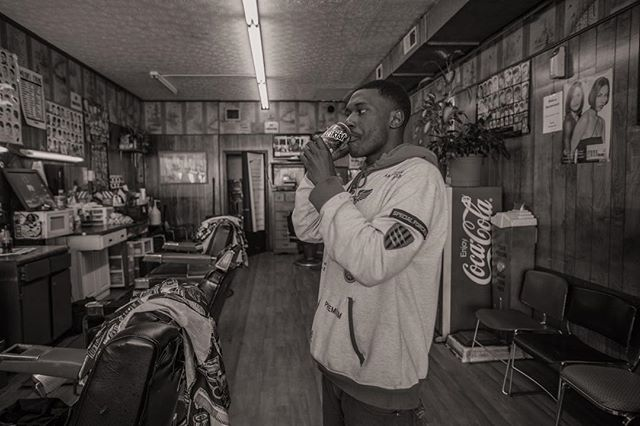 Barber Shop Series #sunkist #barber #photography #canon #socialdocumentary