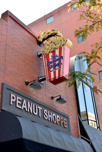 peanut_shoppe_02.jpg