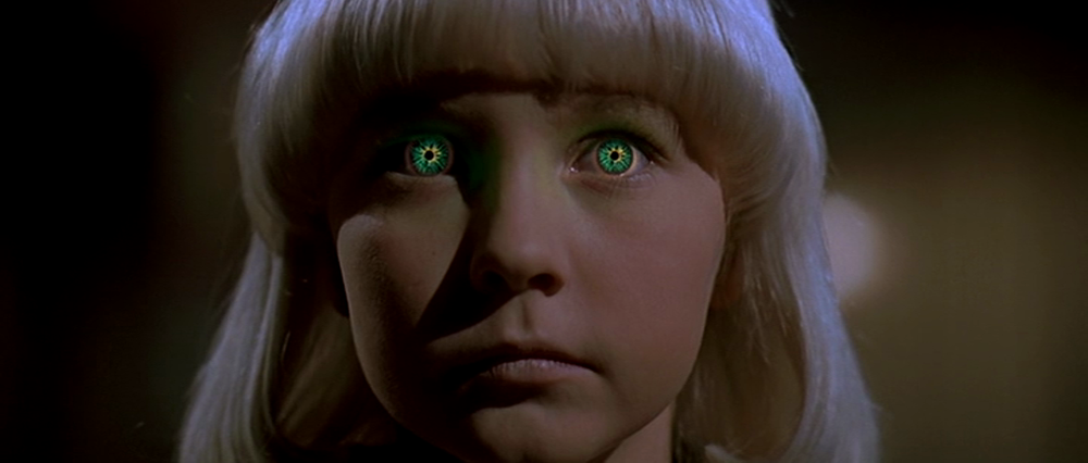 (Village of the Damned 1995, Universal Pictures)