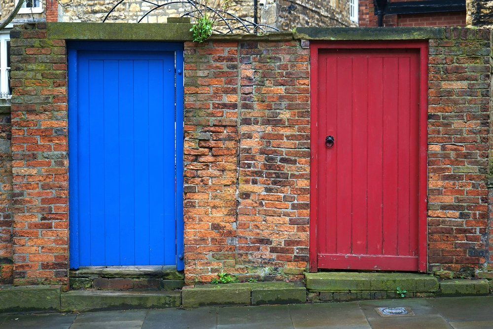 doors-2144360_1920.jpg