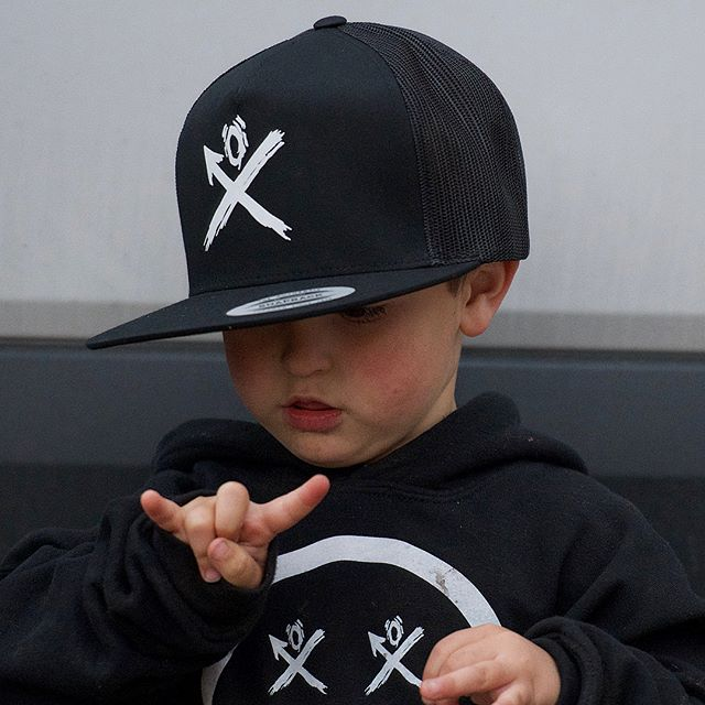 We all learned how to Rock N Roll!  Our little homie Joey showing you the correct way to throw the horns. This next generation RULES!  Hats • T-shirts  Available NOW 👇🏼 WWW.KRAWLLOCO.COM #Krawl #Foreverkid #Fuelthefuture www.KRAWLLOCO.com 10% of apparel profit goes to the kids.
