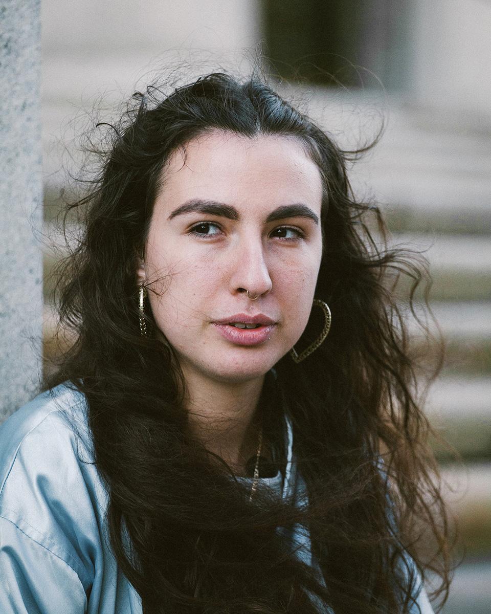 Laurel Golio, Brujas