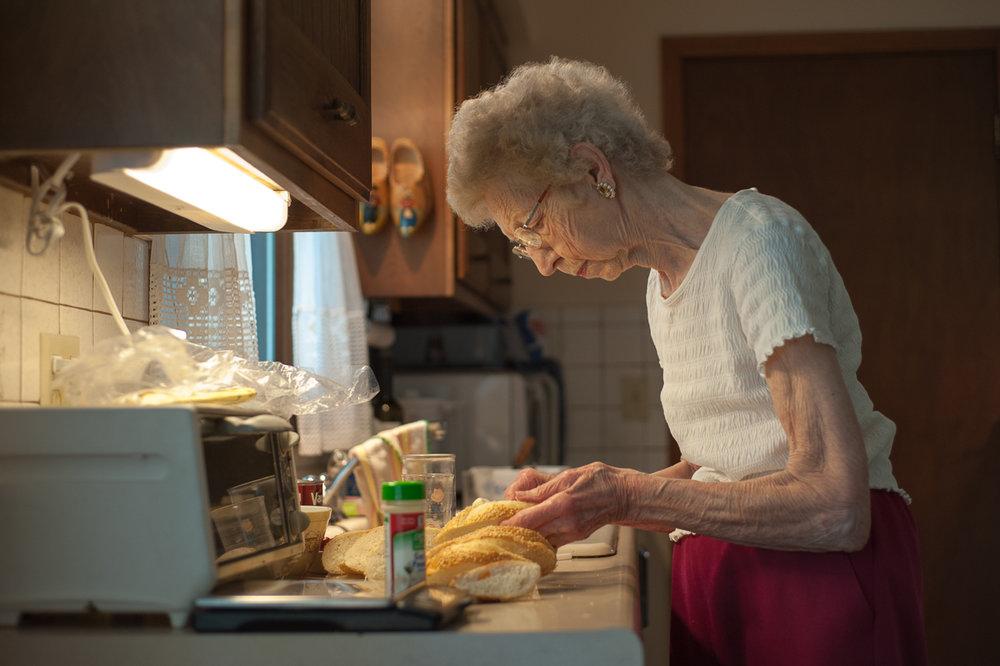 Deanna Dikeman, Garlic Bread