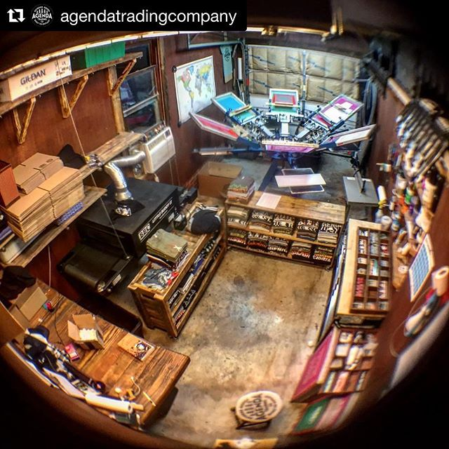 i'm pretty sure this is the smallest possible space you could fit all of that equipment into... and @agendatradingcompany is doing it with style! love seeing shop pictures like this because it really cements the idea that you don't need a ton of space to make it happen. if you're up for it, DM me pictures of your shop! i love seeing what you're all working with. #floodpull #screenprinting #silkscreen . #Repost @agendatradingcompany ・・・ Forever going over inventory! 😒 #screenprinter #printshop #workshop #workhard #stayhumble #outdoors #camping #hiking #overlanding #iammidcity #shopsmall #screenprinting #batonrouge #inventory #staywild #design #diy #workingclass #livefree #louisiana #agenda #agendatradingcompany #whatsyouragenda