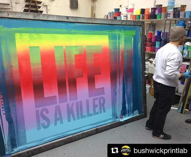 rainbow rolls ALL DAY! @bushwickprintlab never fails to impress and this print has us all 😳😳😳. so damn good. #floodpull #screenprinting #silkscreen . . #Repost @bushwickprintlab ・・・ 🌈 Back at it with John Giorno rainbow rolls this time with the BRT Printshop crew. #Lifeisakiller #johngiorno #BRTprintshop #redhook