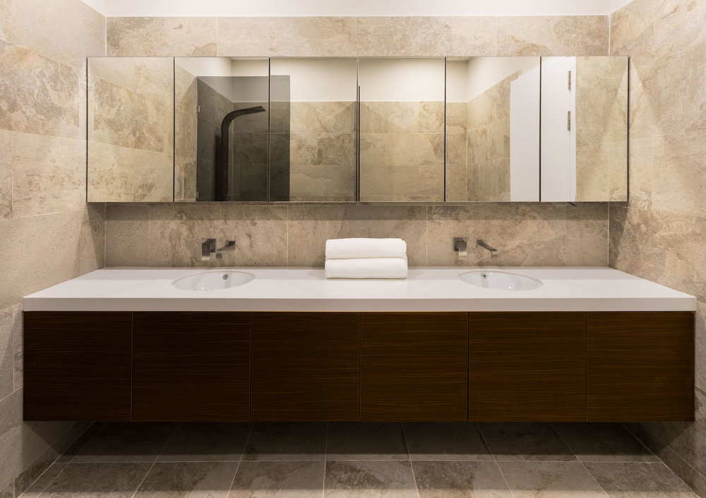 back-bathroom-single-storey-condo-habitat-phnom-penh.jpg