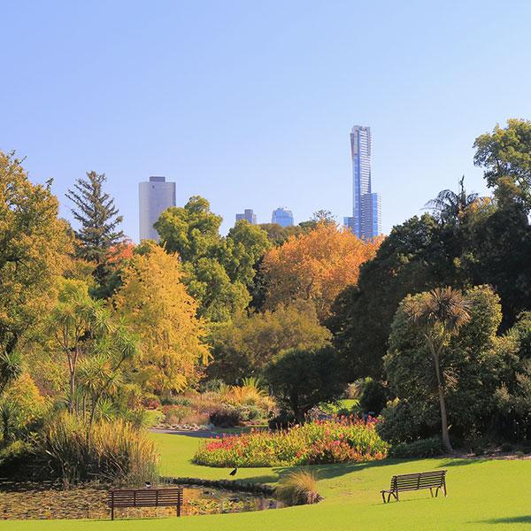 botanical-gardens-picnic-date-thumb.jpg