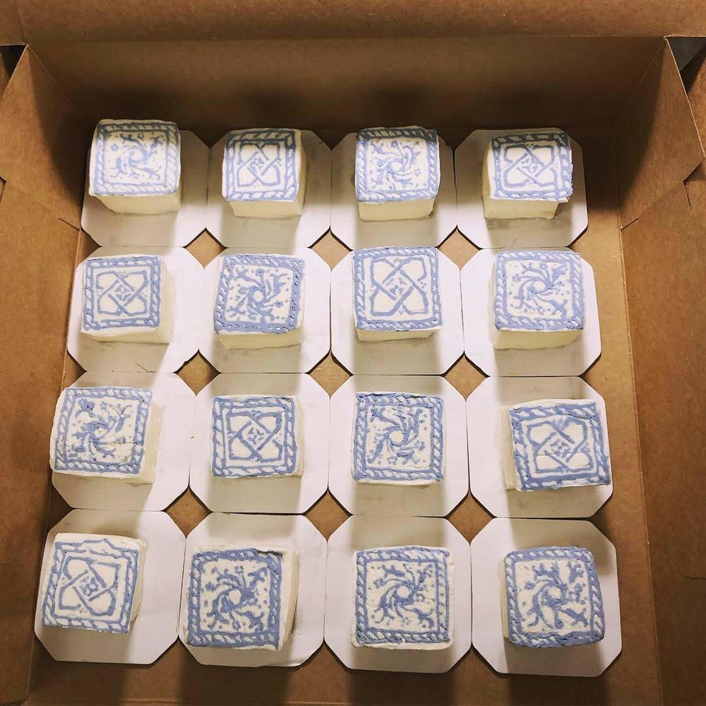 Delft tiles mini cakes