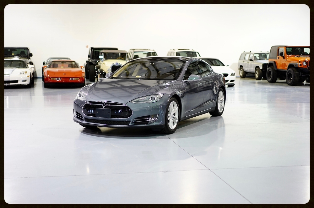 2013 Tesla Model S P85 / Highly Optioned / Brand New Tires / Click Here For Photos and HD Video