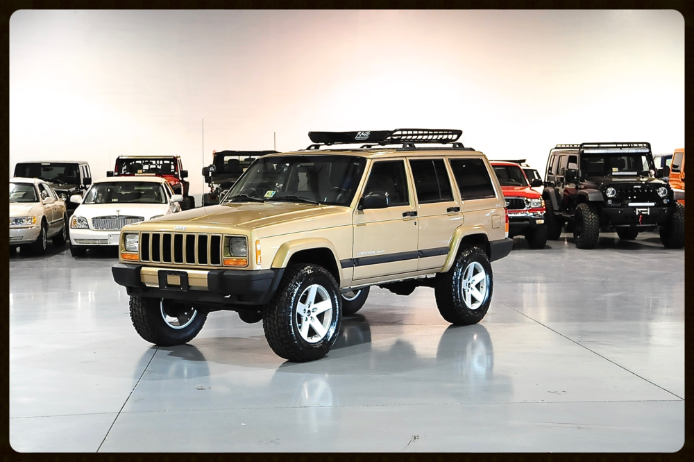 Stage 2 XJ Sport with ONLY 84k Miles....Click here to View More Photos and Video