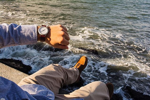 Lean back and enjoy the weekend 🕓 #vivalavario • • • • • • • #watchess #dailywatches #watchesofinsta #natostraps #engineeringdesign #leatherdesign #tooledleather #natonation #minimal_world #classystreetwear #classydapper #classyfashion #tailoredfit #dapperfashion #dappertime #menstylefashion #menstyleofficial #menstyleblogger #mensfashionguide #swissmovement #vegetabletannedleather #bayarea #sanfrancisco #marinasf #menstyle #mensstyle #watches #designlovers #highsnobiety