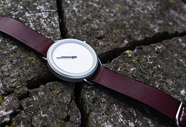 Vario Watches are extra strong and scratch resistant. Can't say the same about this tree stump. #vivalavario • • • • • • • #watchess #dailywatches #watchesofinsta #natostraps #leatherdesign #tooledleather #natonation #classystreetwear #classydapper #classyfashion #tailoredfit #dapperfashion #dappertime #menstylefashion #menstyleofficial #menstyleblogger #mensfashionguide #swissmovement #vegetabletannedleather #menstyle #mensstyle #watches #designlovers #highsnobiety